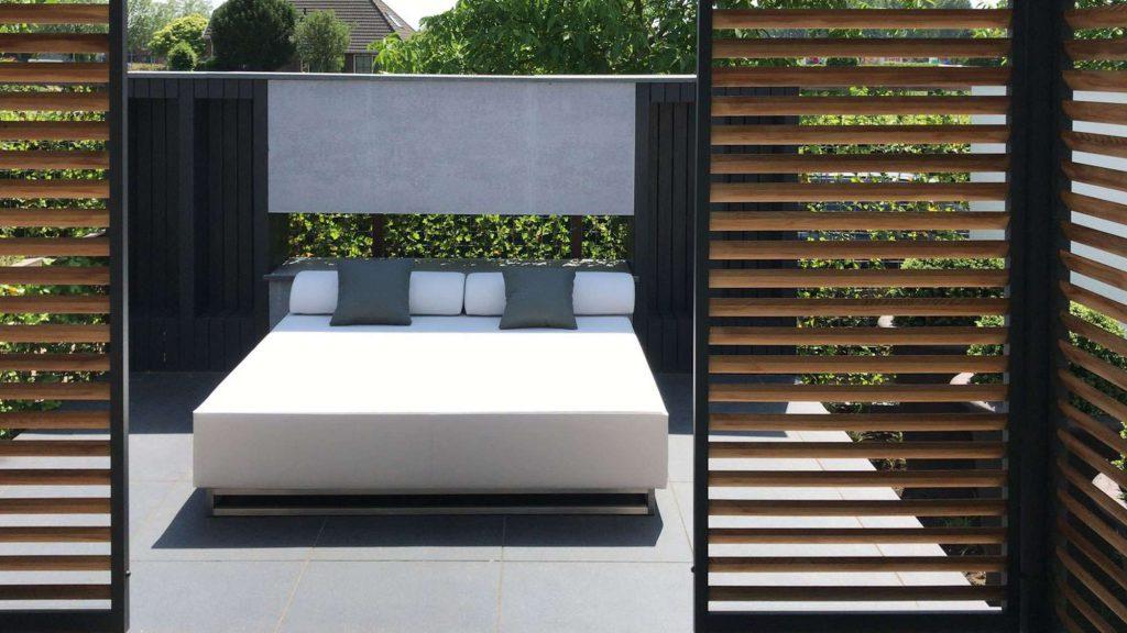 round garden daybed
